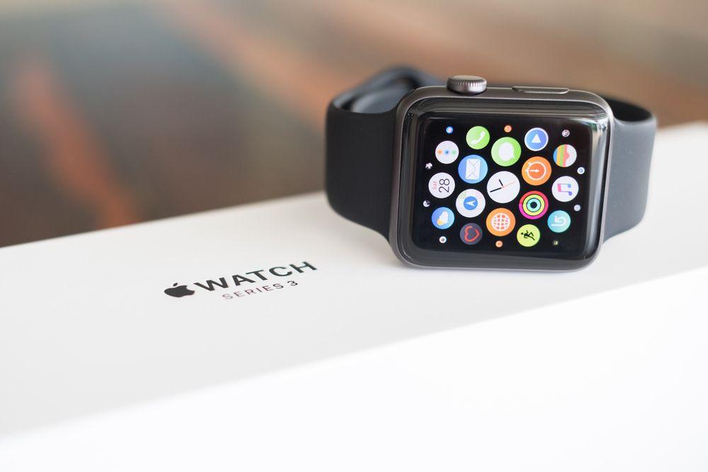 """AppleWatch Series4の""""転倒検出""""とは、どんな機能か調べてみました。"""