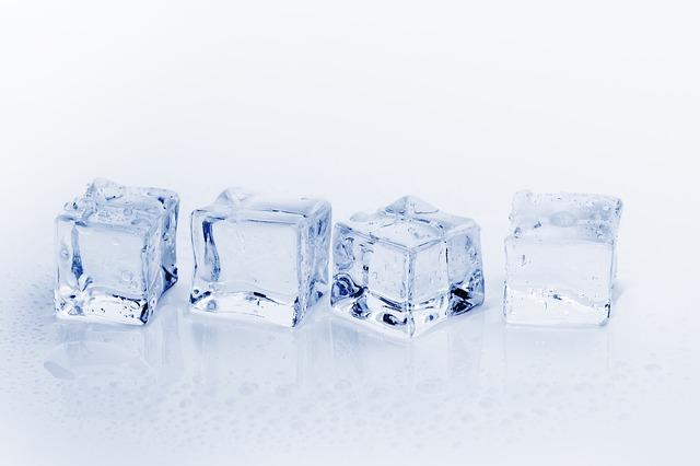 熱くなったiPhoneバッテリーを保冷剤で冷やすのがNGな理由!